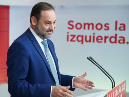 Los responsables de la estrategia socialista calculan que para seguir en el Gobierno necesitan, además de movilizar a sus votantes, recuperar el voto de los descontentos que en 2015 y 2016 optaron por el partido de Rivera