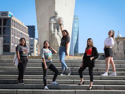 Integrantes de Milagros, un grupo de pop al que amadrina la escritora Belén Gopegui y que nació de un coro escolar madrileño.