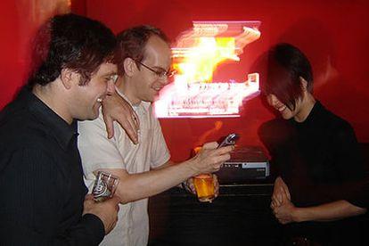 Dohwa, en Nueva York, uno de los locales donde ya funciona el sistema de PartyStrands con el que los clientes pueden enviar mensajes de móvil para influir sobre la música que suena.