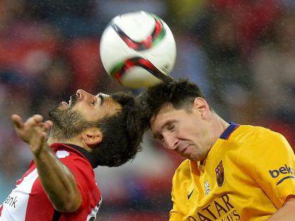 Balenziaga y Messi, en la ida de la Supercopa.