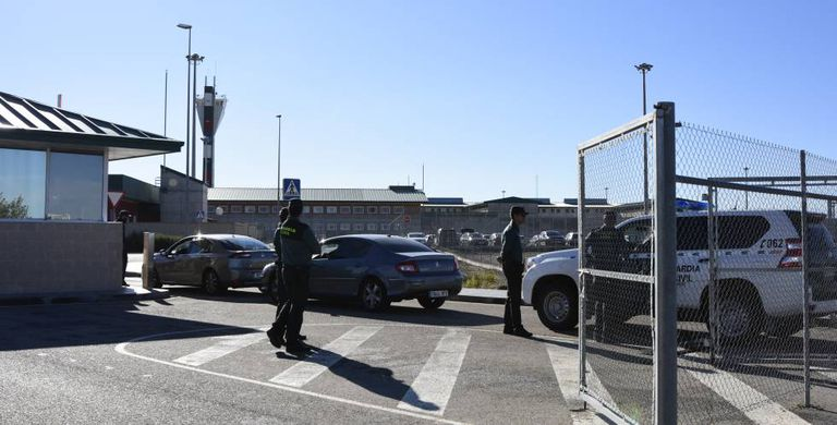 Control de acceso al centro penitenciario Madrid VII, en la localidad de Estremera.