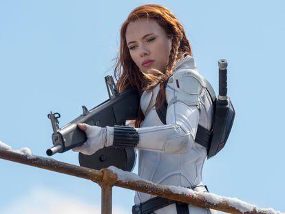 Scarlett Johansson en una escena de 'Viuda Negra'.