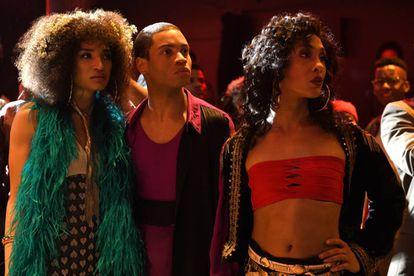 Indya Moore, Ryan Jamaal Swain e Mj Rodriguez, en un capítulo de la serie 'Pose'.