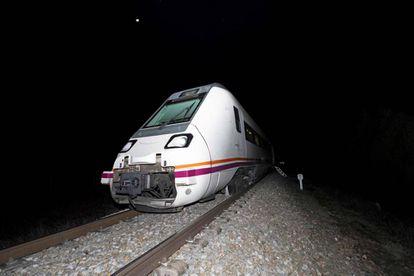 Imagen del tren que descarriló el lunes en Toledo.