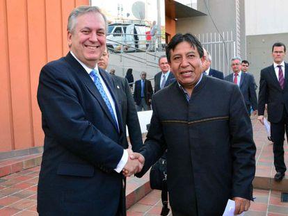 Los ministros de Exteriores de Brasil y Bolivia tras celebrar un encuentro
