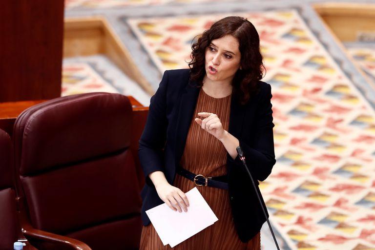 La presidenta de la Comunidad de Madrid, Isabel Díaz Ayuso, durante su intervención en una nueva sesión de control de este jueves.