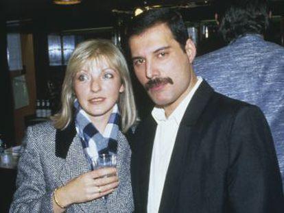 Mary Austin tuvo una relación de seis años con el cantante de Queen, pero fueron amigos íntimos hasta el final. 28 años después, ella tiene gran parte de sus millones y también de sus secretos