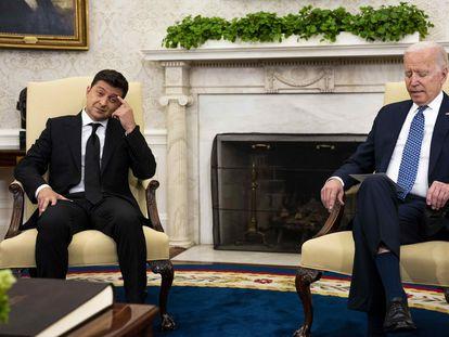 El presidente de EE UU, Joe Biden, y su homólogo ucraniano, Volodimir Zelenski, en la Casa Blanca.