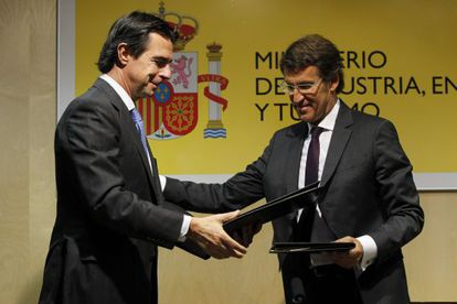 El ministro de Industria, Energía y Turismo y el presidente de la Xunta