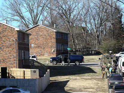 Policía y FBI investigan la casa de Anthony Quinn Warner.