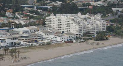 Vista aérea de la urbanización Banana Beach en Marbella (imagen de archivo).