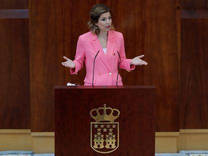 La portavoz de PSOE en la Asamblea de Madrid, Hana Jalloul, durante su intervención en el debate de investidura.