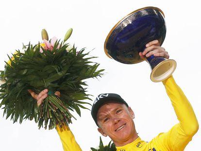 Chris Froome, en el podio de París del último Tour.