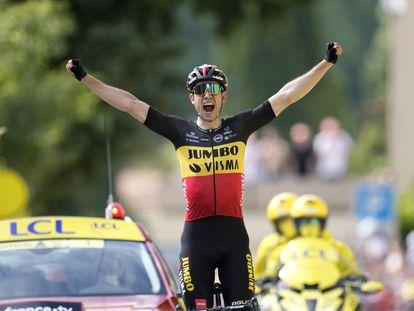 Wout Van Aert celebra su triunfo en la 11ª etapa del Tour de Francia.