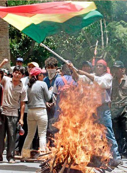 Manifestación en Cochabamba de seguidores de Evo Morales, en 2002, entonces en la oposición.