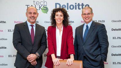 Enrique Solbes (CTO de Banco Sabadell), Esther Málaga (CIO de Ferrovial) y Alfons Buxó (socio de consultoría tecnológica de Deloitte y líder de la práctica cloud.