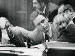 Ted Bundy en uno de sus juicios por asesinato.