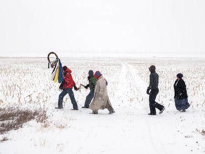 'Caminata de oración en Standing Rock, Dakota de Norte, 2017', del libro 'Property Rights' editado por STEIDL. Fotografía: MITCH EPSTEIN (STEIDL)