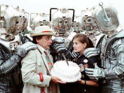 Sylvester McCoy como Doctor Who y Sophie Aldred como Ace (1988)