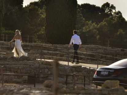 Christiana Wyly, rumbo a su boda en Empúries.