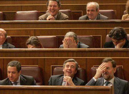 Bancada del PP. En primer término, Eduardo Zaplana, Ángel Acebes y Mariano Rajoy, de izquierda a derecha.