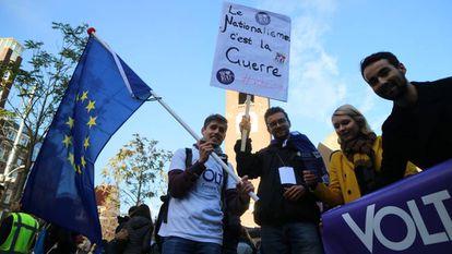 Miembros de Volt Europa en la presentación del programa electoral en Amsterdam.