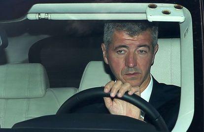Miguel Angel Gil Marin, consejero delegado del Atletico de Madrid a su llegada al estadio.