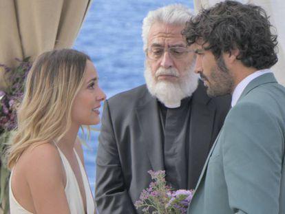 Silvia Alonso, Leo Harlem y Álex García, en 'Hasta que la boda nos separe'. En el vídeo, tráiler de la película.