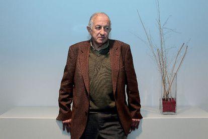 El escritor Juan Goytisolo, en la sede del Círculo de Lectores de Barcelona.