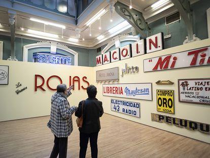 'Paco Graco' es un proyecto de Zuloark que recupera, desmonta, recoge y salvaguarda los rótulos amenazados de tiendas de Madrid.