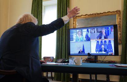 Boris Johnson, en una videoconferencia con representantes de la Unión Europea.