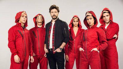 De izquierda a derecha los actores protagonistas de 'La casa de papel': Miguel Herrán, Álvaro Morte, Alba Flores, Úrsula Corberó e Jaime Lorente.