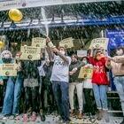 Dvd 1033 22.12.20.Administración de Loteria Doña Manolita en la calle Carmen de Madrid. Celebración del gordo del sorteo de Loteria de Navidad.  foto: Santi Burgos