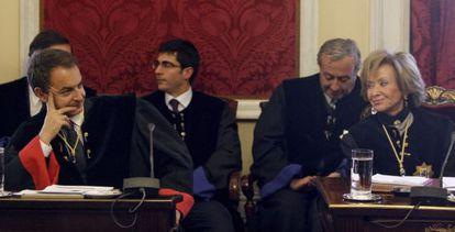 Zapatero y De la Vega, durante un acto en el Consejo de Estado en 2012.
