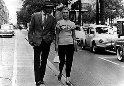 Jean-Paul Belmondo y Jean Seberg, en 'Al final de la escapada', de Jean-Luc Godard.
