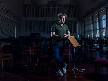 El director de orquesta Gustavo Dudamel, en el Teatro Real, el 10 de septiembre.