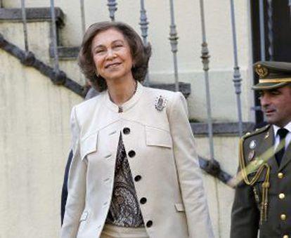 La Reina, a su llegada hoy a la Fundación de Ayuda contra la Drogadicción.
