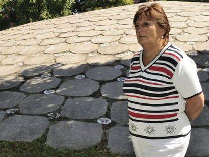 Icíar Lamarain en una foto de archivo en el monumento a las víctimas del terrorismo en Vitoria.