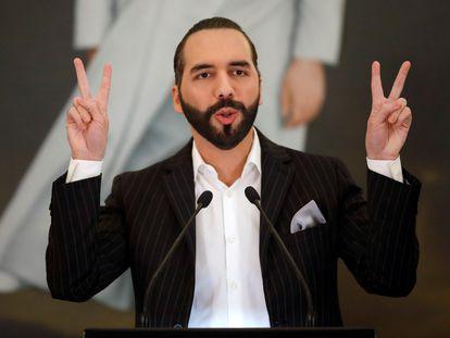 Bukele habla durante una conferencia de prensa en San Salvador el 6 de junio.