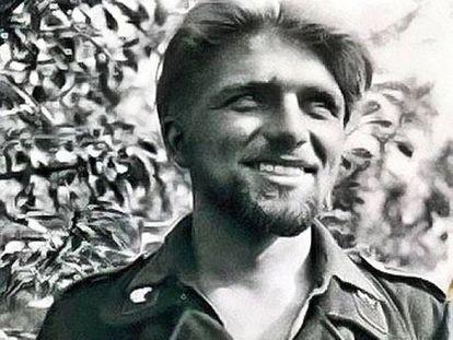 El as de los tanquistas alemanes Kurt Knispel con sus característicos pelo largo y barba.
