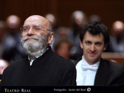 El compositor Luis de Pablo, uno de los principales representantes de la Generación del 51 y referente de la música contemporánea española, falleció este domingo a los 91 años. Compuso hasta seis óperas a lo largo de su prolífica trayectoria, la última de las cuales, 'El abrecartas', se estrenará el próximo 16 de febrero en el Teatro Real como parte de la programación de la actual temporada 2021-2022. Recibió el León de Oro de Música en la Bienal de Venecia (2020), el Premio Nacional de Música (1991) y el premio Académico de la Real Academia de Bellas Artes de San Fernando (1989), entre otros galardones.