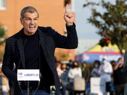 El exdiputado de Ciudadanos Toni Cantó pronunciaba un discurso junto a la presidenta madrileña, Isabel Díaz Ayuso, el pasado 15 de abril durante un acto de campaña del PP en San Sebastián de los Reyes, Madrid.