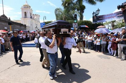 El funeral del diputado Gómez Michel