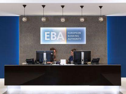 Dos empleadas de la EBA en su sede londinense.