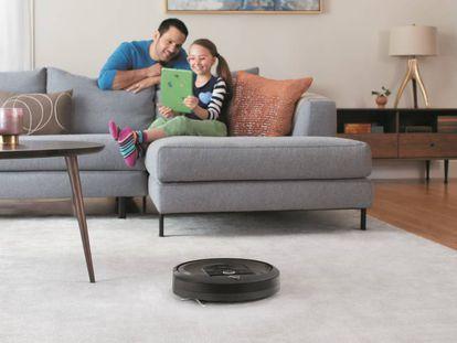 Robot aspirador 'Roomba i7+', de la marca iRobot.