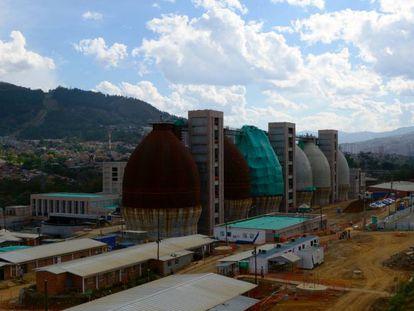 Obras de construcción de la planta de tratamiento de aguas de Medellín (Colombia).