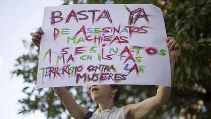 Concentración en apoyo a los hijos de Juana Rivas en los Juzgados de Violencia de Género de Sevilla el pasado 14 de agosto.