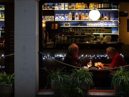 Exterior de un bar de una calle céntrica de Barcelona.