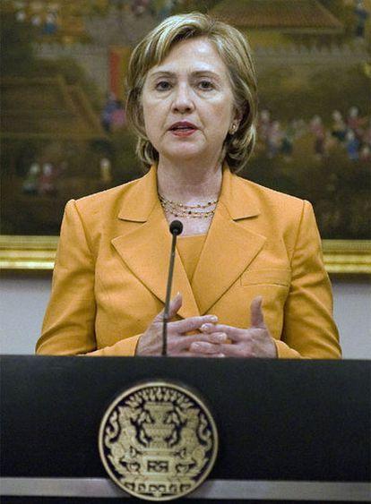 Hillary Clinton, secretaria de Estado de EE UU, durante una conferencia de prensa en su visita a Bangkok