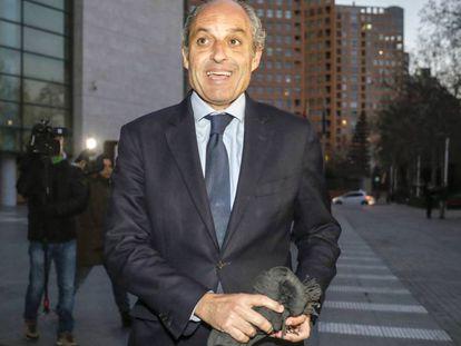 Francisco Camps, en una de sus visitas a la Ciudad de la Justicia de Valencia.